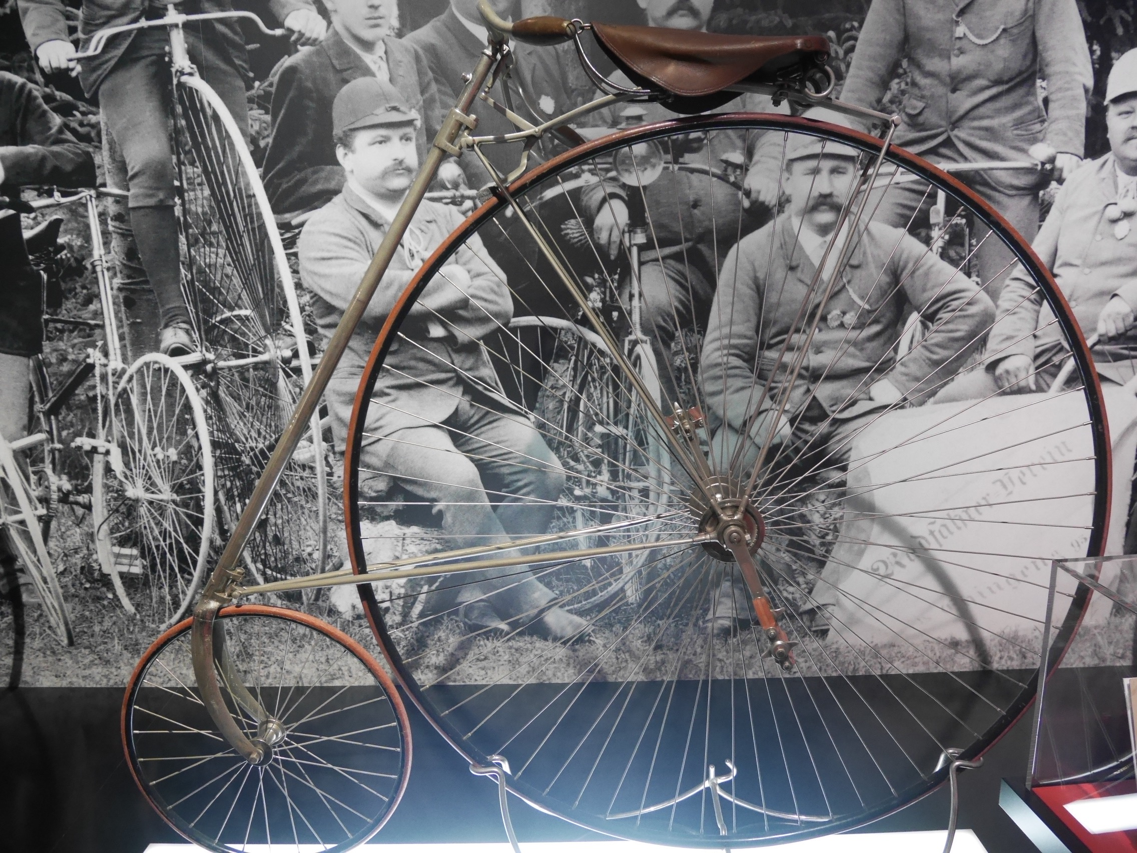 "Penny-farthing ""Eagle"" (USA), 1889, 24 Kg. Reversed Position Of The Small And Big Wheels To Reduce The Risk Of Falling."