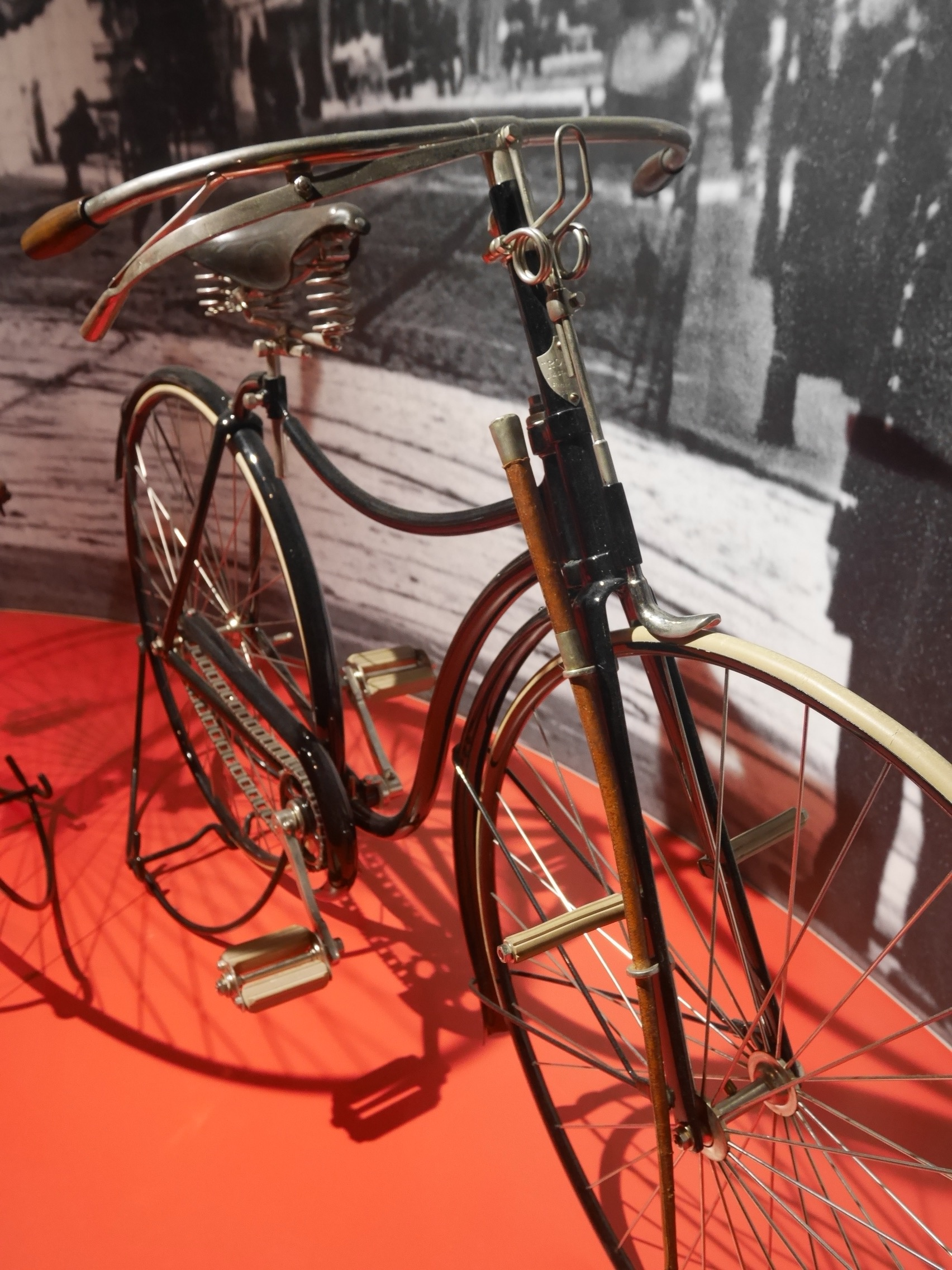 Safety Bicycle ROVER III, Dated 1888, 22.5 Kg. A Spoon Brake In Front, A Cane On The Right To Chase Off Stray Dogs.