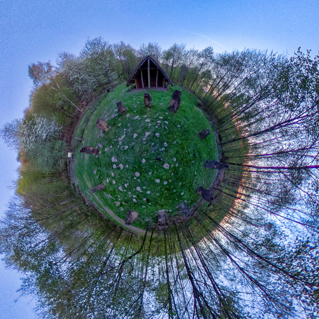 Maison Néolithique stereographic panorama